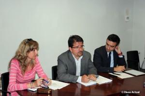 Carmen Pérez y Guillermo Magadán (en el centro), durante un acto del PSOE de Rivas (Foto Rivas Actual)