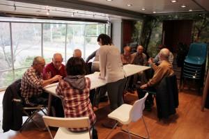 Un grupo de mayores del Centro El Parque, durante un encuentro en el 'Sabio Bus', el pasado mes de febrero (Foto Rivas Actual)