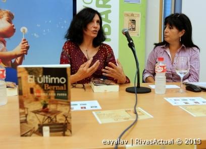"""Dolores Leis (izquierda) y Elena Muñoz, durante la presentación de """"El último Bernal"""" (Foto: Enrique Ayala)"""