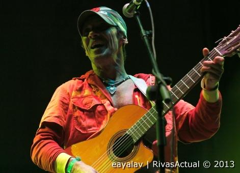 Manu Chao, durante su actuación (Foto: Enrique Ayala)
