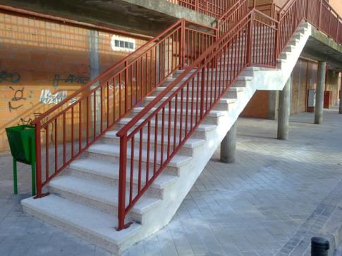 Una de las escaleras reparadas (Foto cortesía de la Mancomunidad de Covibar)