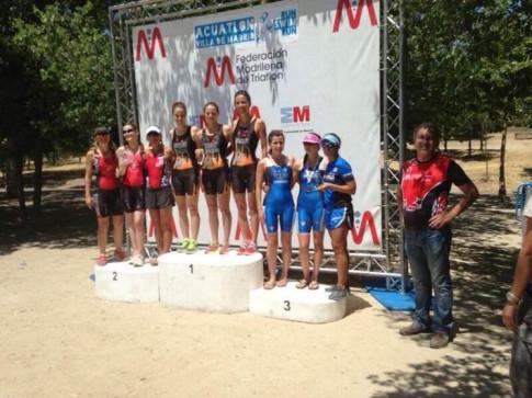El equipo femenino de Diablillos de Rivas, campeón de Madrid de Acuatlón (Foto cortesía del club)