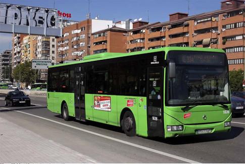 Uno de los autobuses que prestan servicio a Rivas