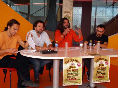 Mesa de la presentación en La Casa + Grande (Foto cortesía del Ayuntamiento de Rivas)