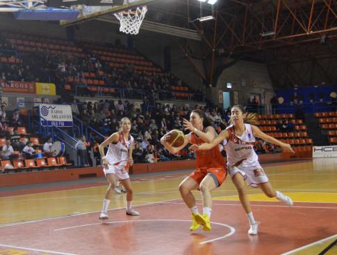 Laura Gil en un momento del partido (Foto Rivas Ecópolis Basket)