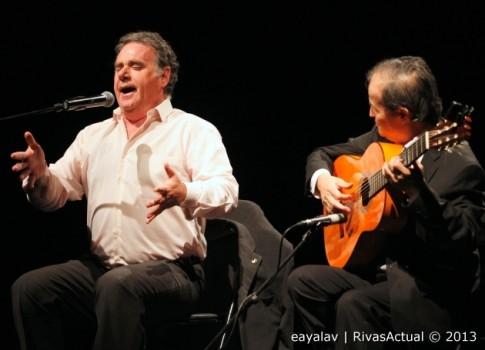 El cantaor Antonio Ronco con Juan Antonio Muñoz a la guitarra, durante su actuación (Foto: Enrique Ayala)