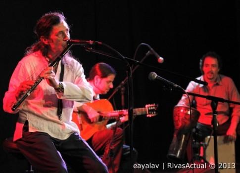 Jorge Pardo (en primer término) y los músicos que le acompañaban durante el concierto (Foto: Enrique Ayala)