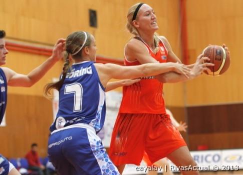 Kelly Schumacher fue la MVP del partido (Foto: Enrique Ayala)