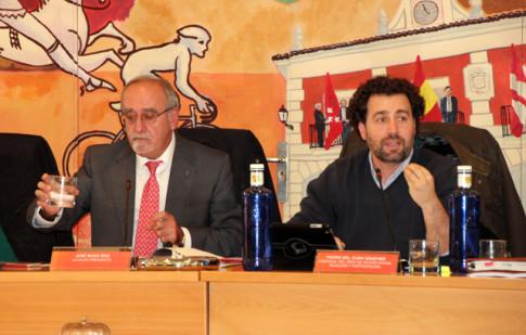 José Masa (izquierda) y Pedro del Cura, durante la celeebración del pleno del mes de noviembre (Foto Rivas Actual)