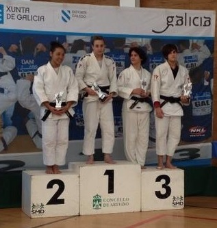 María Cabás, en el podio (Foto cortesía del club)