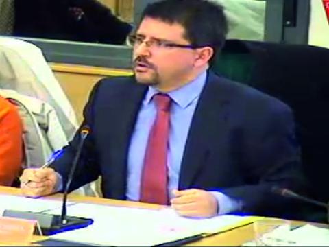 Guillermo Magadán, durante la defensa de la moción (Imagen tomada de la retransmisión en directo de Rivas Al Día  TV)