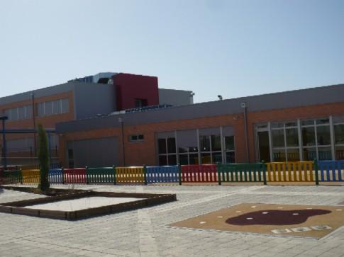 La Ciudad Educativa Hipatia, de régimen concertado, es uno de los dos únicos centros en Rivas que ofrecen enseñanza de infantil a secundaria en sus aulas (Foto: FUHEM)