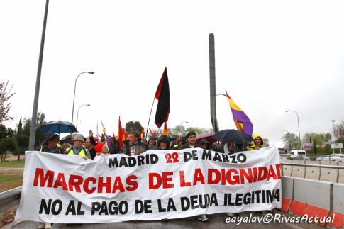Momento en que la columna abandona Rivas (Foto Enrique Ayala)