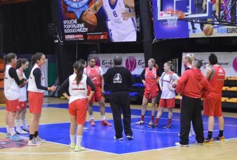 Las jugadoras del Rivas Ecópolis, durante su entrenamiento del lunes (Foto cortesía de Rivas Ecópolis Basket)