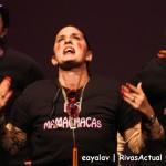 Actuación del grupo Alalba, con la chirigota 'Las mamachacas' (Foto: Enrique Ayala)