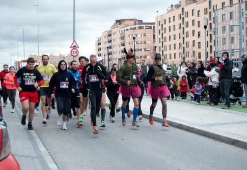 Un momento de la pasada edición de la Carrera Popular (Foto cortesía de AV La Luna)