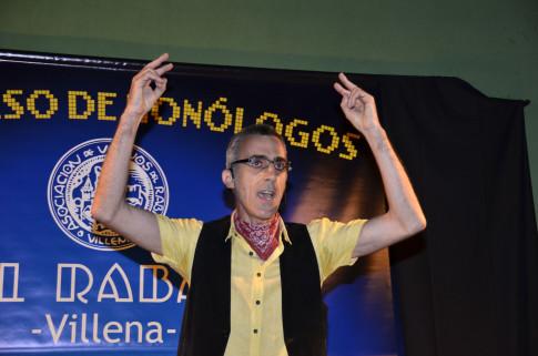 Edu Luky, durante uno de sus monólogos, el pasado año en Villena (Foto cortesía de Edu Luky)