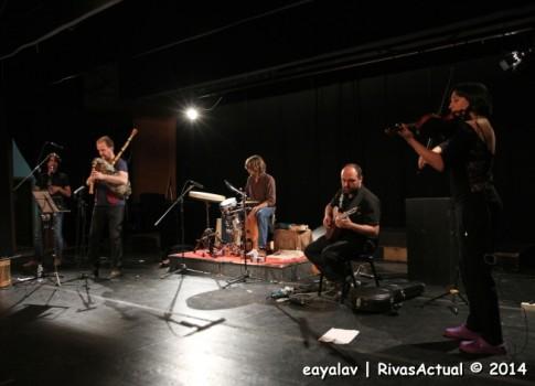 Un momento de la actuación (Foto: Enrique Ayala)