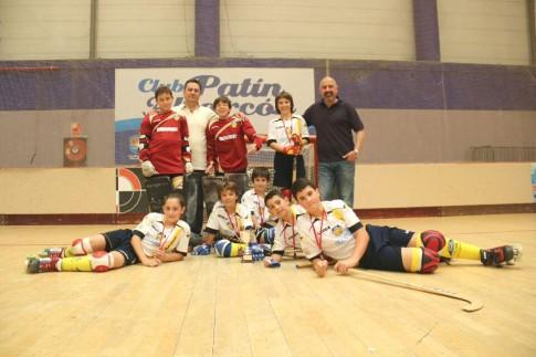El equipo benjamín, tras el torneo (Foto cortesía del club)