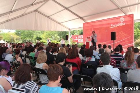 Un momento del mitin, con la intervención de Ramón Jáuregui (Foto: Enrique Ayala)