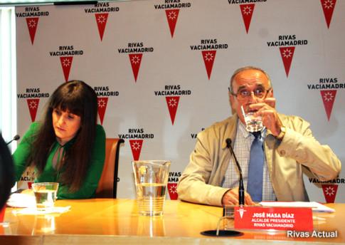 José Masa, durante su comparecencia, el lunes 12 de mayo de 2014, explicando los motivos de su dimisión como alcalde de Rivas (Foto: Rivas Actual)
