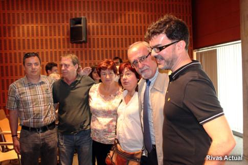 Eddy Sánchez (primero por la derecha), junto a Pepe Masa, tras la comparecencia de este último (Foto: Rivas Actual)