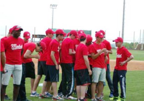 Los jugadores de la selección madrileña, tras el torneo (Foto cortesía del CBS Rivas)
