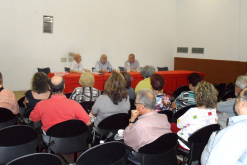Un aspecto de la sala durante la presentación (Foto cortesía de Jubiqué)