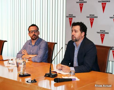 Pedro Del Cura (derecha) y Curro García Corrales, durante la rueda de prensa realizada esta mañana para presentar el acuerdo (Foto Rivas Actual)