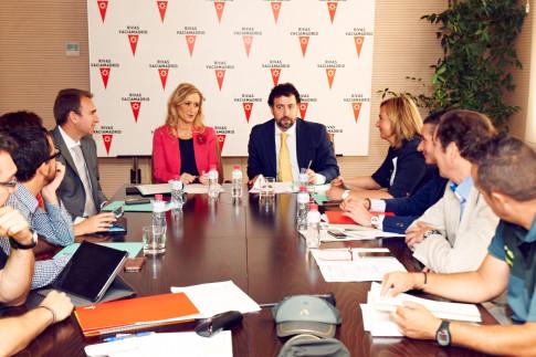 Cristina Cifuentes y Pedro del cura, presidiendo la reunión de la Junta de Seguridad Local( Foto Ayto. Rivas)