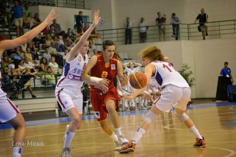 Ángela Salvadores, en  un partido ante Serbia (Foto: Lou Mesa)