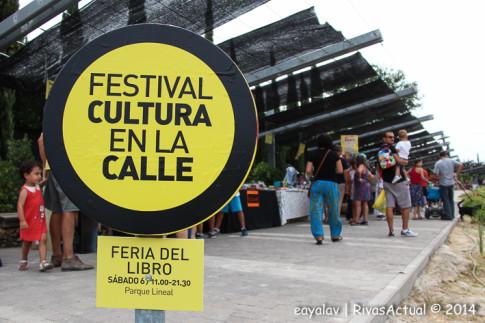 Un aspecto de la Feria del Libro, ayer por la mañana (Foto: Enrique Ayala)