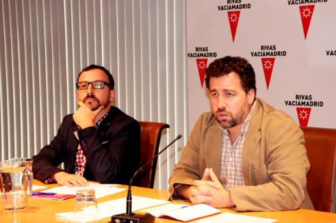 Pedro del Cura (derecha) y Curro García Corrales, durante la rueda de prensa (Foto Rivas Actual)