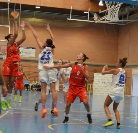 Un momento del partido contra Grupo EM Leganés (Foto cortesía de Rivas Ecópolis)