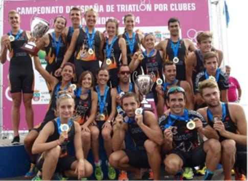 Los equipos femenino y masculino de Diablillos que participaron en la última prueba del campeonato, tras la misma (Foto cortesía de Diablillos de Rivas)