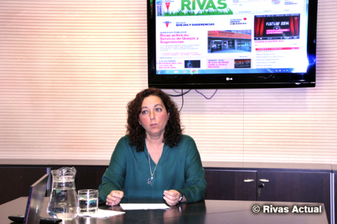 La concejala de Participación ciudadana, Montse Burgos, durante la presentación de la herramienta online (Foto Rivas Actual)
