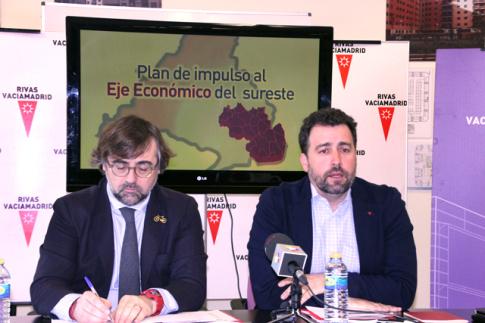Pablo Rodríguez (izquierda) y Pedro del Cura, durante la presentación del proyecto (Foto Rivas Actual)