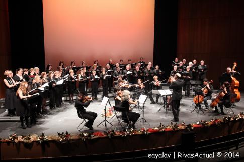 Un momento de la actuación del Coro (Foto: Enrique Ayala)