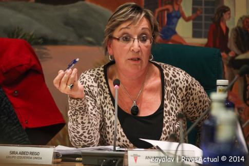 La concejala de Hacienda, Ana Reboiro, tuvo a su cargo la presentación y defensa del Presupuesto (Foto: Enrique Ayala)
