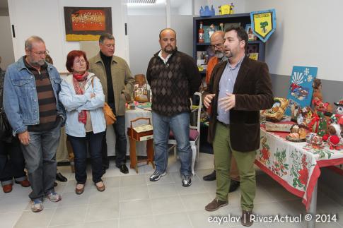 José Carlos Querencias (cuarto por la izquierda), durante el reciente acto de inauguración de la Casa de Asociaciones del Casco Antiguo (Foto archivo Rivas Actual)