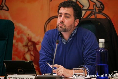 Pedro del Cura, en el último Pleno municipal de 2014 (Foto: Enrique Ayala)