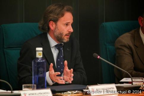 Jesús González Esparterom, portavoz y presidente del PP de Rivas, durante un pleno en diciembre de 2014 (Foto: Enrique Ayala)