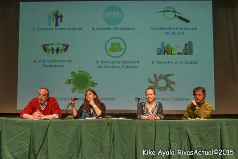 Una imagen de la mesa con las y los presentadores del acto (Foto: Kike Ayala)