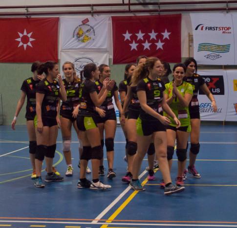 El equipo femenino de Superliga 2, tras un partido Foto cortesía del club)