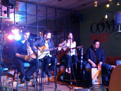 """""""Eszencia"""" es el nombre de un grupo de Budapest, conformado por cuatro jóvenes de distintas nacionalidades, que tocará este viernes 3 de julio en Rivas. (Foto: cortesía de la banda)."""