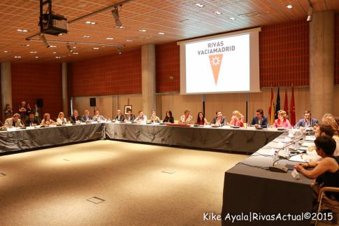Los 25 concejales durante el acto de investidura del alcalde. (Foto: Kike Ayala).