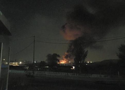 Imagen del incendio, tomada en la noche de ayer, 1 de julio