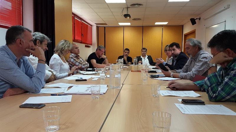 Empresarios sindicatos y ayuntamiento reivindican a la for Oficina de empleo comunidad de madrid