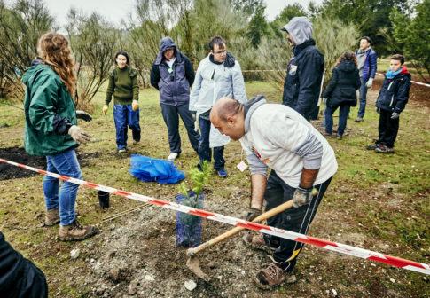Los vecinos de Rivas plantaron 1.500 nuevos ejemplares en el Día del Árbol