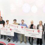 Foto de familia ganadores, organizadores y miembros del jurado ok